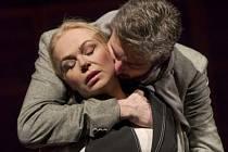 DAGMAR HAVLOVÁ na Vinohradech hraje hlavní roli Rebeky Westonové v dramatu Henrika Ibsena.