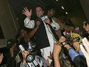 Naváze Šarífa vítaly v ulicích davy příznivců.