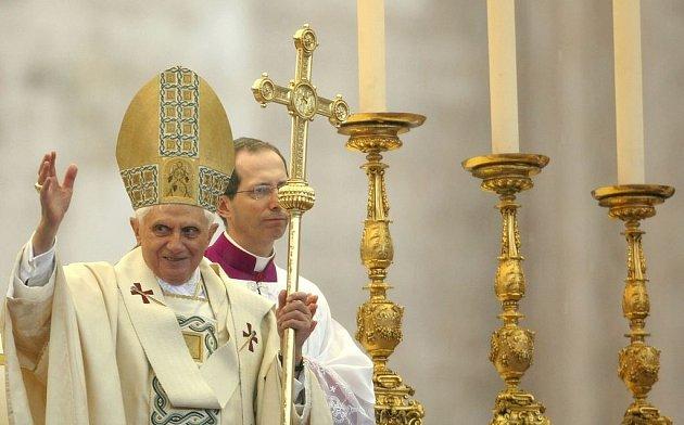 Papež Benedikt XVI. požehnal městu i světu