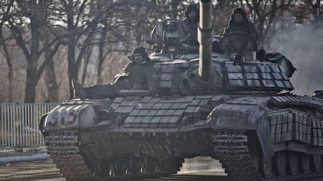 Tank proruských separatistů u ukrajinského Luhansku