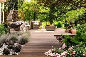 Letní dny vybízejí, abychom co nejvíce času trávili venku a užívali si volné chvíle na zahradě nebo na terase.
