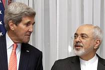 Ministři zahraničí USA a Íránu John Kerry a Mohammad Džavád Zaríf dnes v Lausanne zahájili další etapu jednání o íránském jaderném programu.