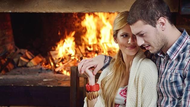 Otevřený oheň působí sice velmi romanticky, ale s moderními pasivními či nízkoenergetickými domy nejde dohromady.
