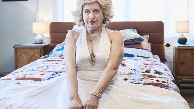 Zuzana Krónerová ve filmu Bohdana Slámy Bába z ledu