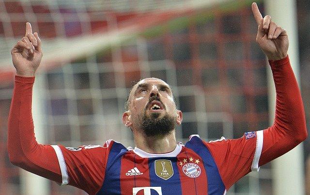 Franck Ribéry z Bayernu Mnichov se raduje z gólu proti AS Řím.