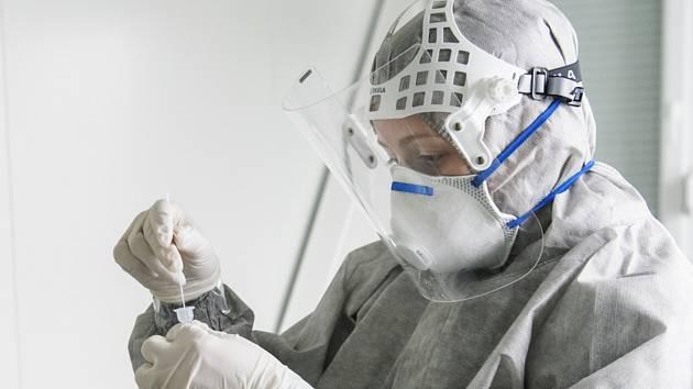Odběry vzorků pro testování na koronavirus - ilustrační foto
