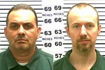 Uprchlí vězni Richard Matt a David Sweat.