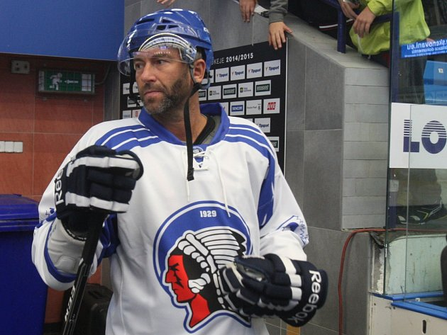 Petr Nedvěd opět nazul brusle. Zúčastnil se exhibice, při které se loučili s kariérou olympijští vítězové Martin Straka a Jaroslav Špaček.