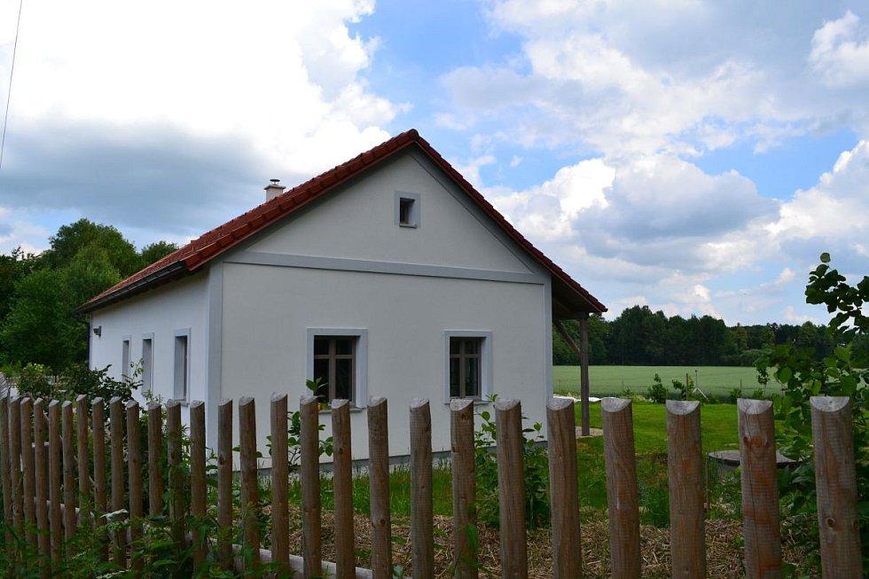 Novostavba pasivního domu ve stylu venkovské chalupy, autorem projektu je Atalier Elam, člen CPD, se stala vítězem generálního partnera soutěžní přehlídky Úsporný dům 2018
