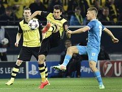 Dortmund - Petrohrad: Nuri Sahin u míče.