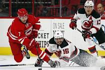 Ryan Murphy (Carolina Hurricanes'),  Jacob Josefson a Michael Cammalleri (New Jersey Devils').