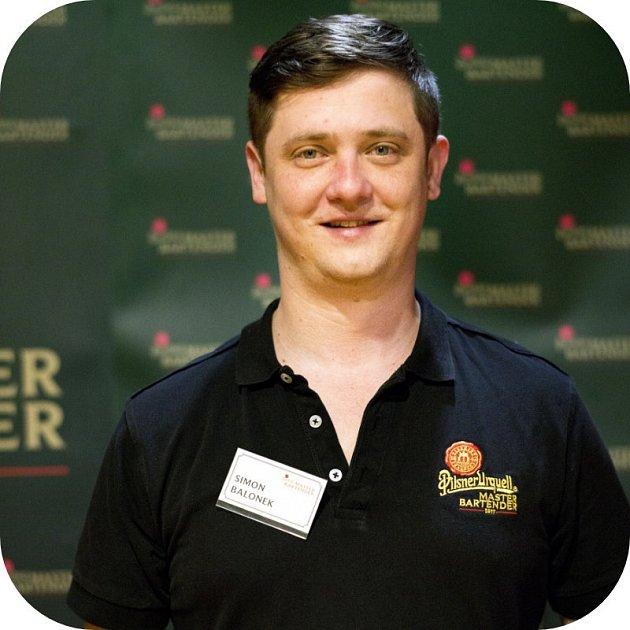Vítěz regionálního kola soutěže Pilsner Urquell Master Bartender Simon Balonek