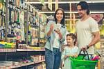 Nakupování školních potřeb. Ilustrační snímek