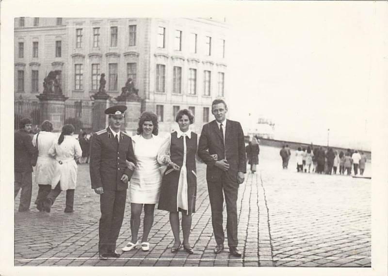 Praha a lázeňská města byla oblíbenými výletními místy. Veteráni také často vzpomínají na návštěvy hradů a zámků.