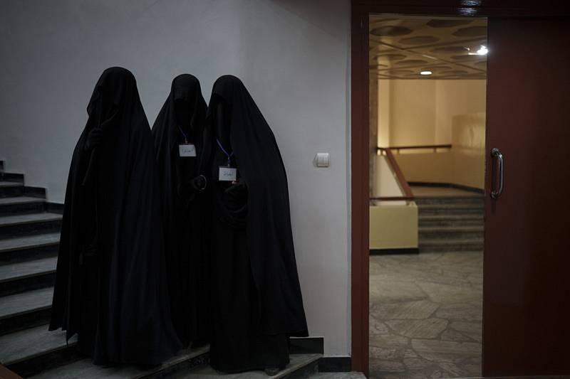 Zahalené ženy na univerzitě v Kábulu