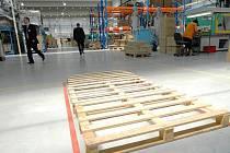 Provoz továrny Thermoplast. Ilustrační foto