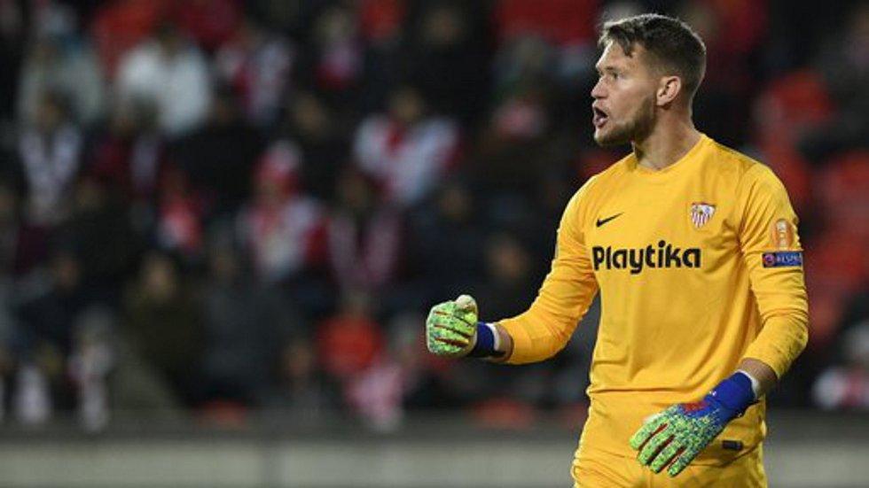 Brankář týmu FC Sevilla Tomáš Vaclík.