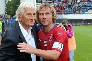 Osmdesátiny Karla Brücknera. Pavel Nedvěd po boku druhého osudového trenéra
