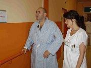 Vladimíru Lipinovi se po oslepnutí změnil celý svět. Musí se učit hodně nových věcí.