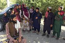Bojovníci Tálibánu v provincii Pandžšír, 8. září 2021