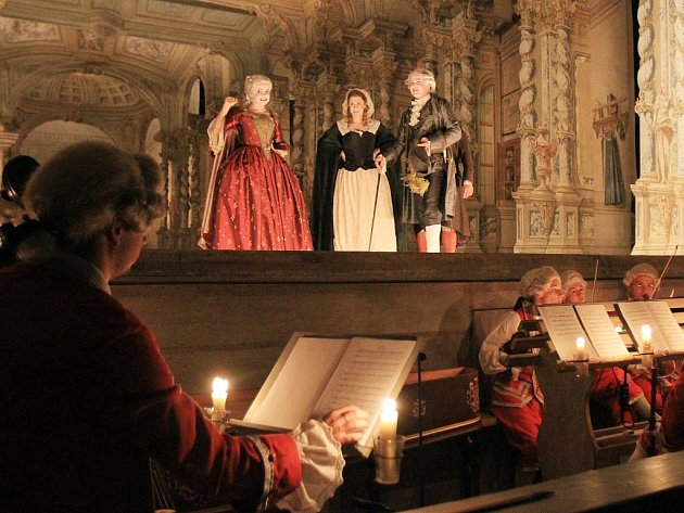 V unikátním barokním divadle českokrumlovského zámku uvedou 9. září unikátní operu, která byla nalezena v českokrumlovském archivu a po 250 letech tak bude uvedena v barokní scéně a kostýmní výpravě s využitím dobových efektů v režii Ondřeje Havelky.