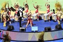 Na slavnostním zakončení fotbalového MS na Maracaná zazpívala Shakira.