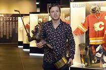 Útočník Bostonu David Pastrňák 18. června 2019 v Síni slávy českého hokeje v Praze převzal trofej za vítězství v anketě Zlatá hokejka