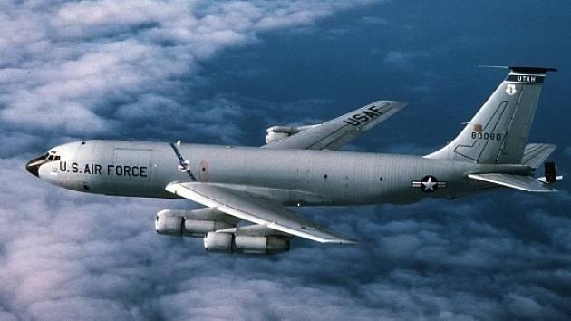 Tankovací letoun KC-135 Stratotanker