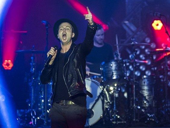 Americká kapela OneRepublic v čele s charismatickým zpěvákem a skladatelem Ryanem Tedderem zahraje 14. října v pražské O2 areně.