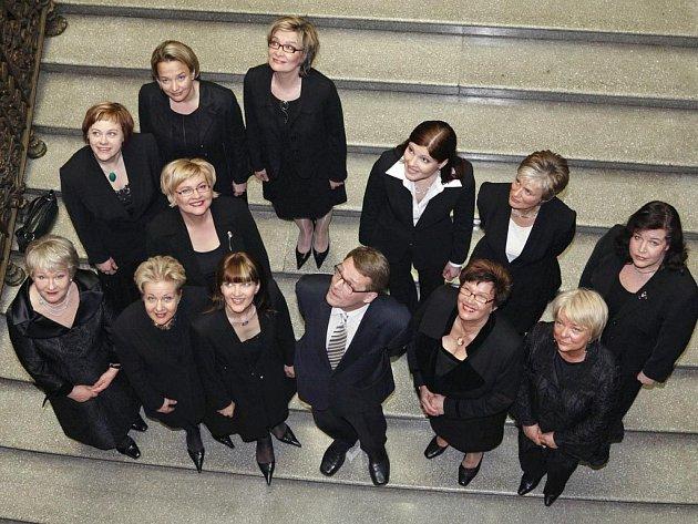 Dvanáct z 20 postů ve finské vládě obsadily ženy