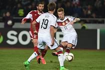 Německo vyhrálo v Gruzii 2:0, o což se zasloužil i Marco Reus (vpravo). Takto dal první gól zápasu