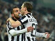 Juventus Turín - Dortmund: Carlos Tevez a Stephan Lichtsteiner slaví