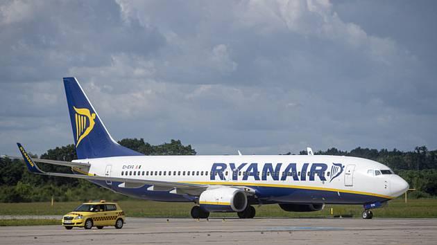 Letadlo společnosti Ryanair. Ilustrační snímek