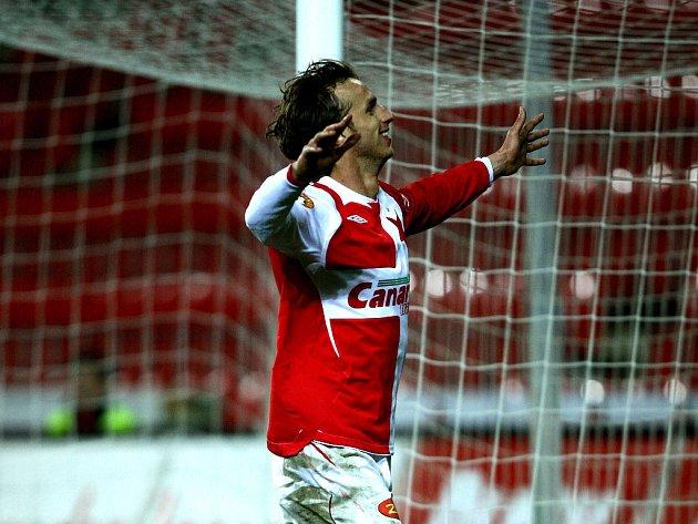 Slávista Marek Jarolím se raduje, právě z penalty završil hattrick.