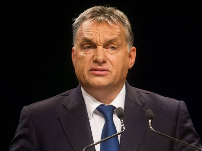 Maďarská vláda dnes napadne u Soudního dvora Evropské unie rozhodnutí přerozdělovat tisíce migrantů mezi členské státy. Oznámil to maďarský premiér Viktor Orbán.