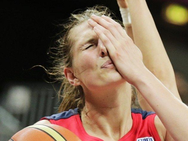 Opora české basketbalové reprezentace Ilona Burgrová.