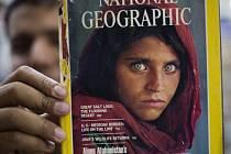 Fotografie Afghánky v roce 1985 obletěla svět na titulní straně časopisu National Geographic.