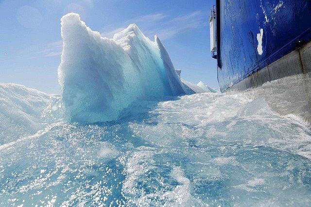 Ledová kra v Arktickém oceánu - Ilustrační foto