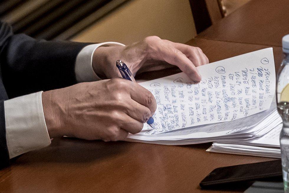 Jednání Sněmovny o žádost o vyslovení souhlasu s trestním stíhání poslanců Andrej Babiš a Jaroslava Faltýnka 19. ledna v Praze. Projev Andreje Babiše