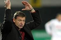 Jsem impulzivní kouč, přiznává trenér Ščasný a při utkáních to často svými gesty dokazuje.