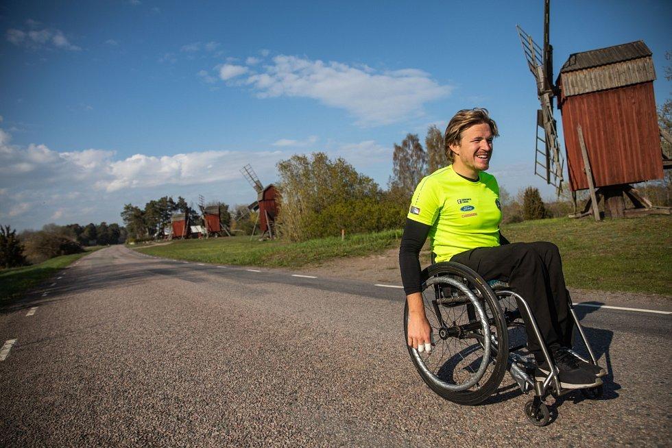 Šampionem tohoto ročníku se stal Švéd Aron Anderson, jenž na vozíčku zdolal stěží uvěřitelných 66,8 kilometru. Vyhrál už potřetí