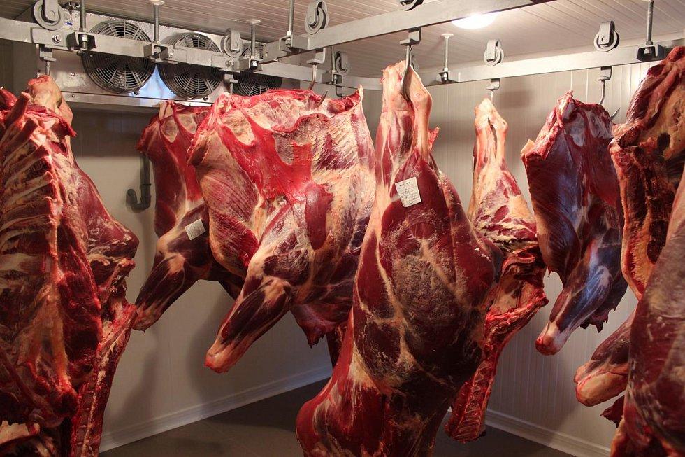 Speciální zrárna masa na farmě Kunclův Mlýn.