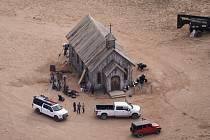 Místo, kde došlo během natáčení filmu Rust k nehodě.