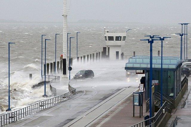 Bouře Sabine řádí v Německu.