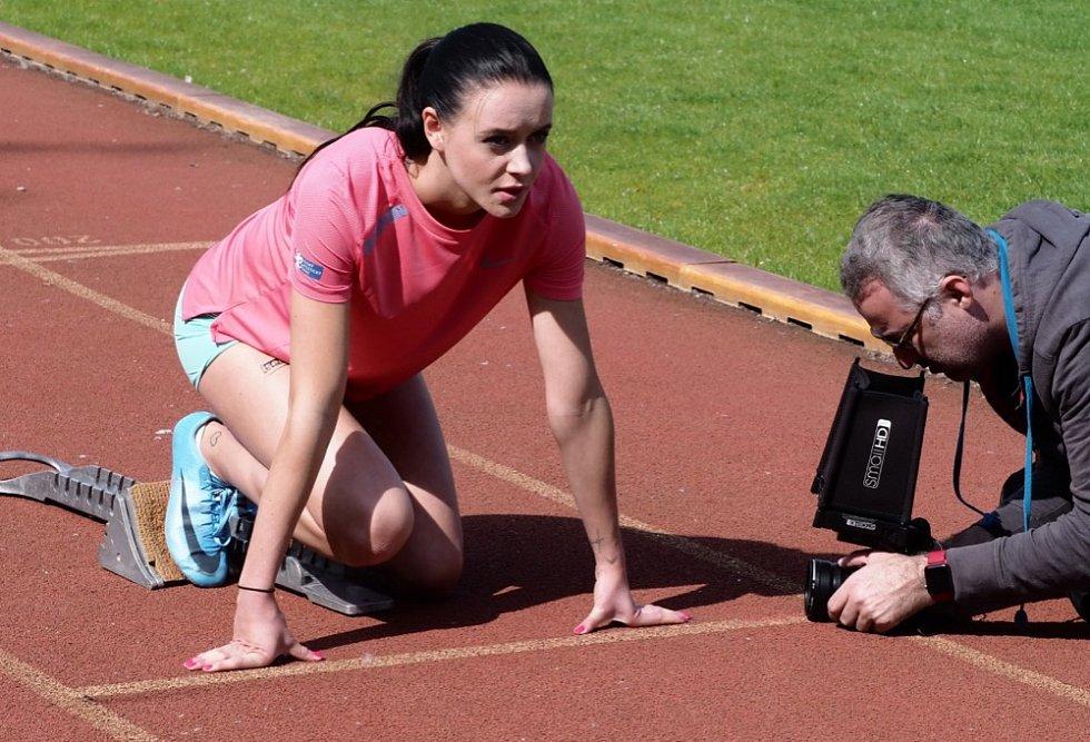Nikola Bendová, běžkyně na 100 a 200 metrů.