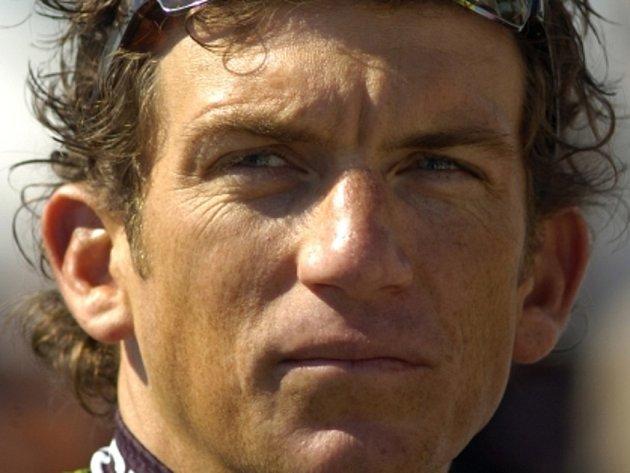 Cyklista Tyler Hamilton přišel kvůli dopingu o olympijské zlato z Atén.