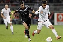 Fotbalisté Sparty vstoupili do základní skupiny I Evropské ligy prohrou 1:2 v Lyonu. Úřadující český vicemistr hodinu odolával tlaku domácího týmu, pak ale během tří minut dvakrát inkasoval.