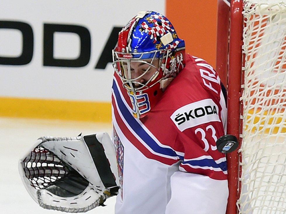Český brankář Pavel Francouz.