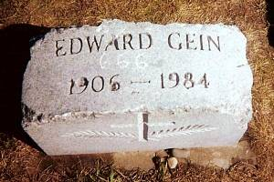 Náhrobní kámen sériového vraha Eda Geina