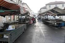 Největší turínské tržiště v posledních dnech výrazně osiřelo